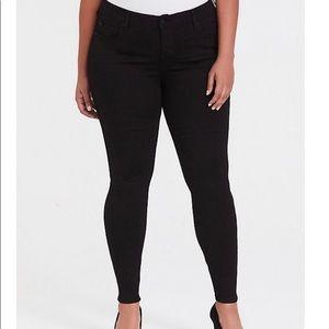 Bombshell Skinny Jean- Premium stretch Black